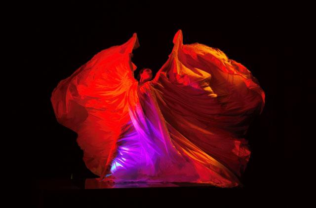 Un balletto di Loie Fuller esegito da Lindberg Slater Riconstructions
